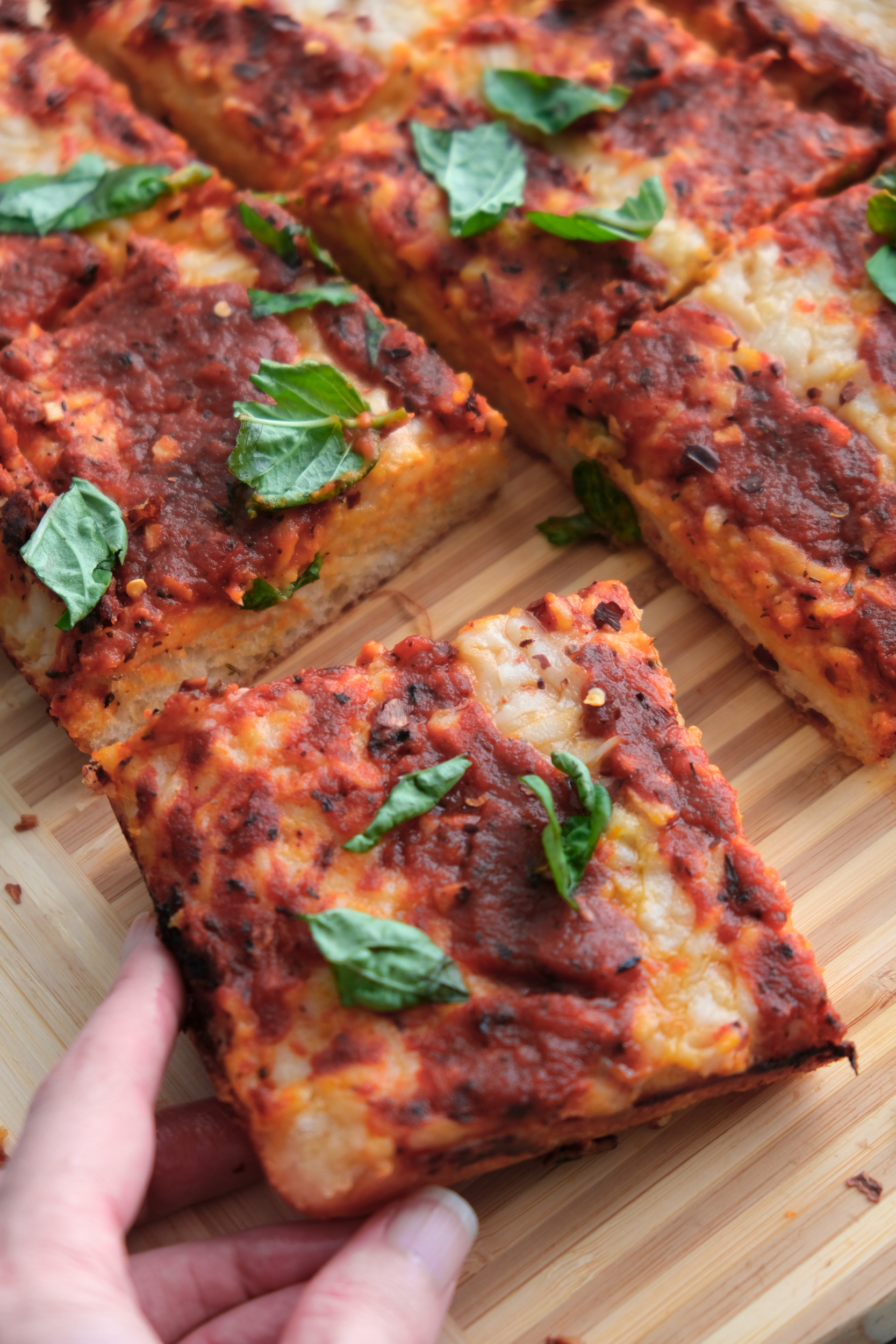 How to Make Detroit-Style Vegan Pizza